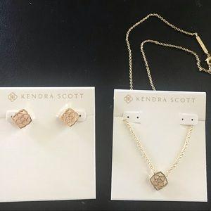 Kendra Scott Dira logo Gold earrings+necklaces